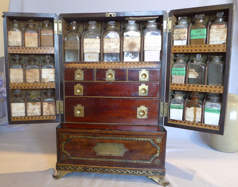Antique English Regency campaign apothacary or medicine cabinet. - Antique English Regency Campaign Apothacary Or Medicine Cabinet