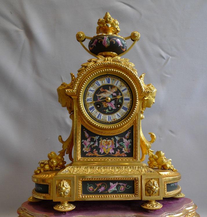 Set De Chambre King Size : Antique French Porcelain Mantel Clocks