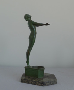 Fine Art Deco bronze nude on shaped marble base.